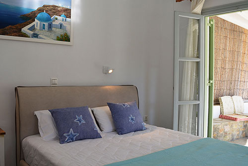 Studios for rent at Cheronissos of Sifnos